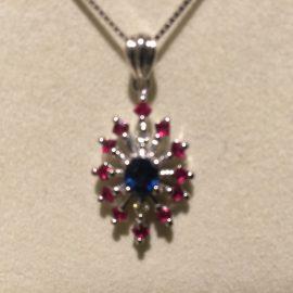 マルチカラーダイヤモンドネックレス