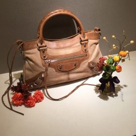 【BALENCIAGA】 とてもお得なハラコのバッグ!