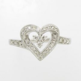 ハートモチーフのダイヤリング
