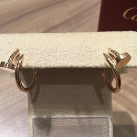 Cartier 釘のピアス?!