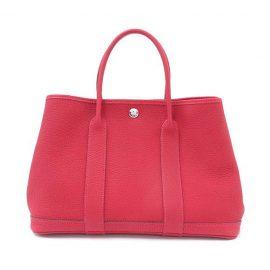 真っ赤なバッグはいかが?