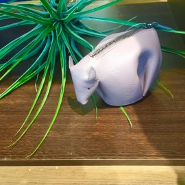 【ロエベ】何の動物でしょう