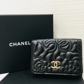 #CHANEL  新作三つ折り財布👛 【買取】