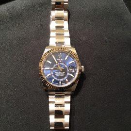 【ROLEX】銀座店 ロレックスで一番人気なブルー文字盤の時計