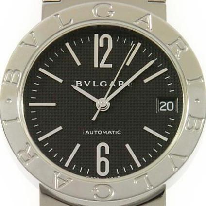 """60696a6543 ブルガリ・ブルガリは、ベゼルの上半分と下半分にそれぞれ「BVLGARI」という文字が掘り込まれています。数ある時計ブランドの中でも、ベゼルにブランド名が""""大きく""""  ..."""